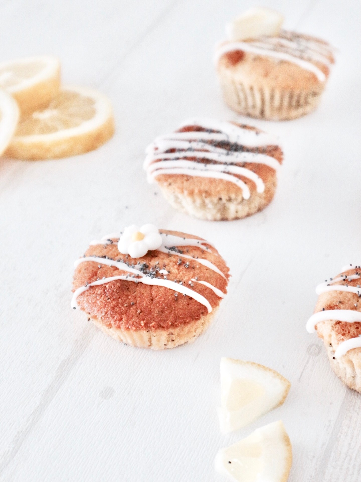 Easy Peasy Lemon Squeezy | Lemon Poppy Seed Cupcakes