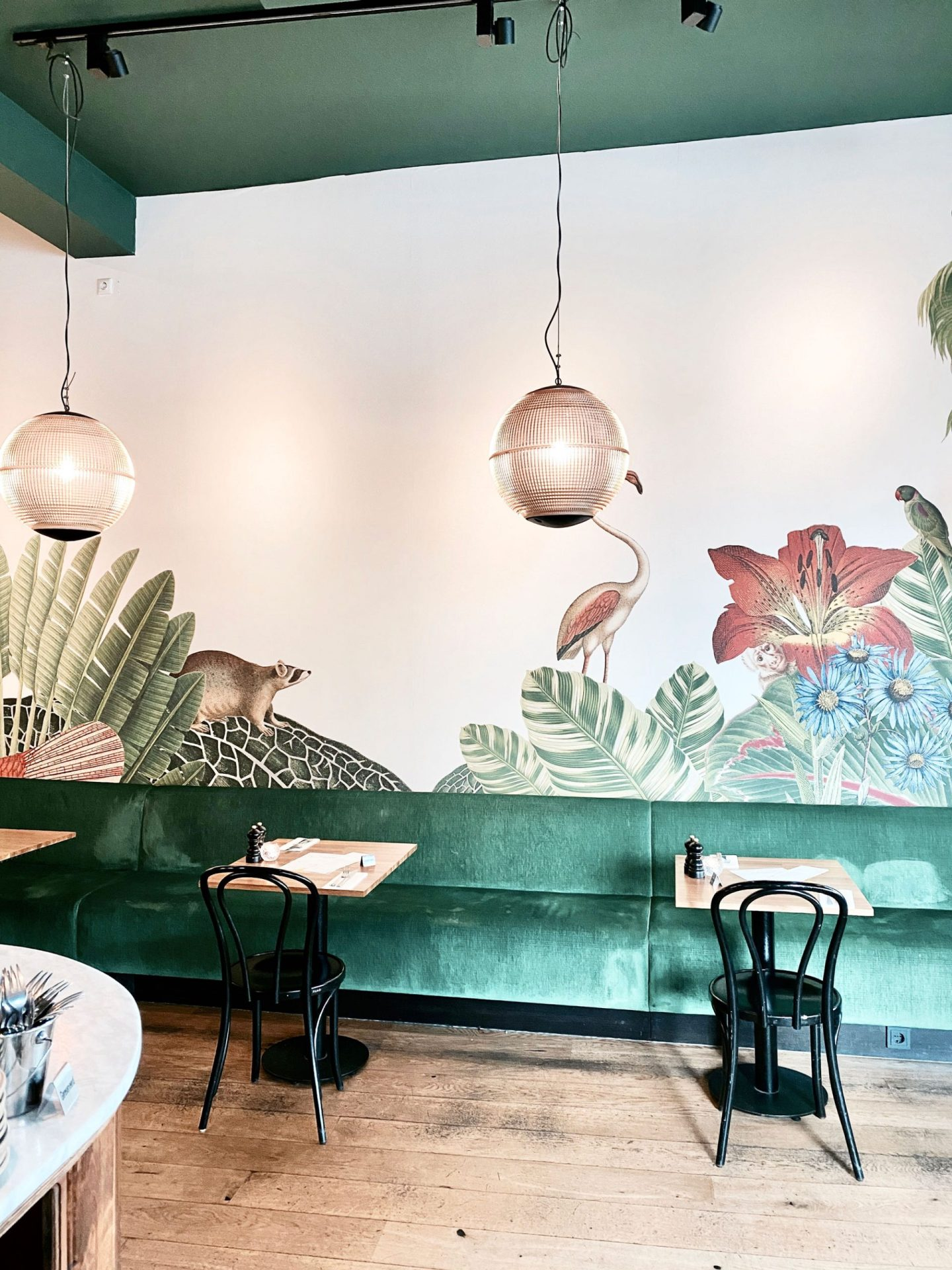 French Vibes In The City Centre Of The Hague With This Hotspot | Palmette, The Hague