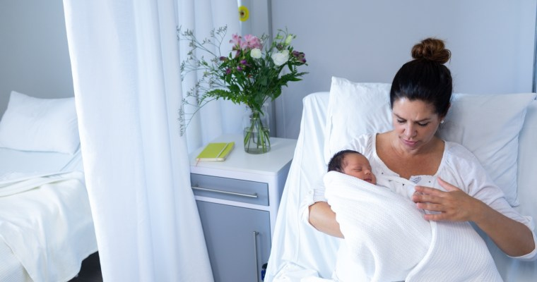 Tips to Help You Feel Like Yourself During Postpartum