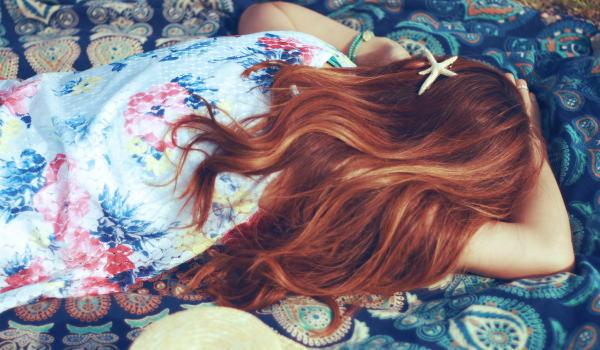 髪 ロング 寝方
