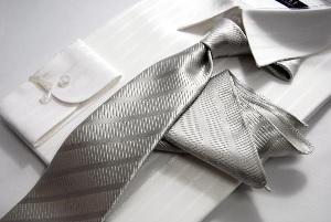 ネクタイとポケットチーフ