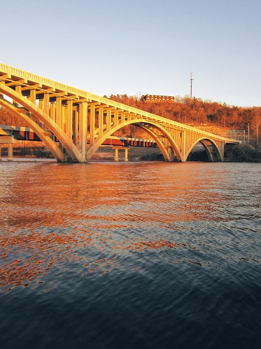 branson-lake-taneycomo-bridge