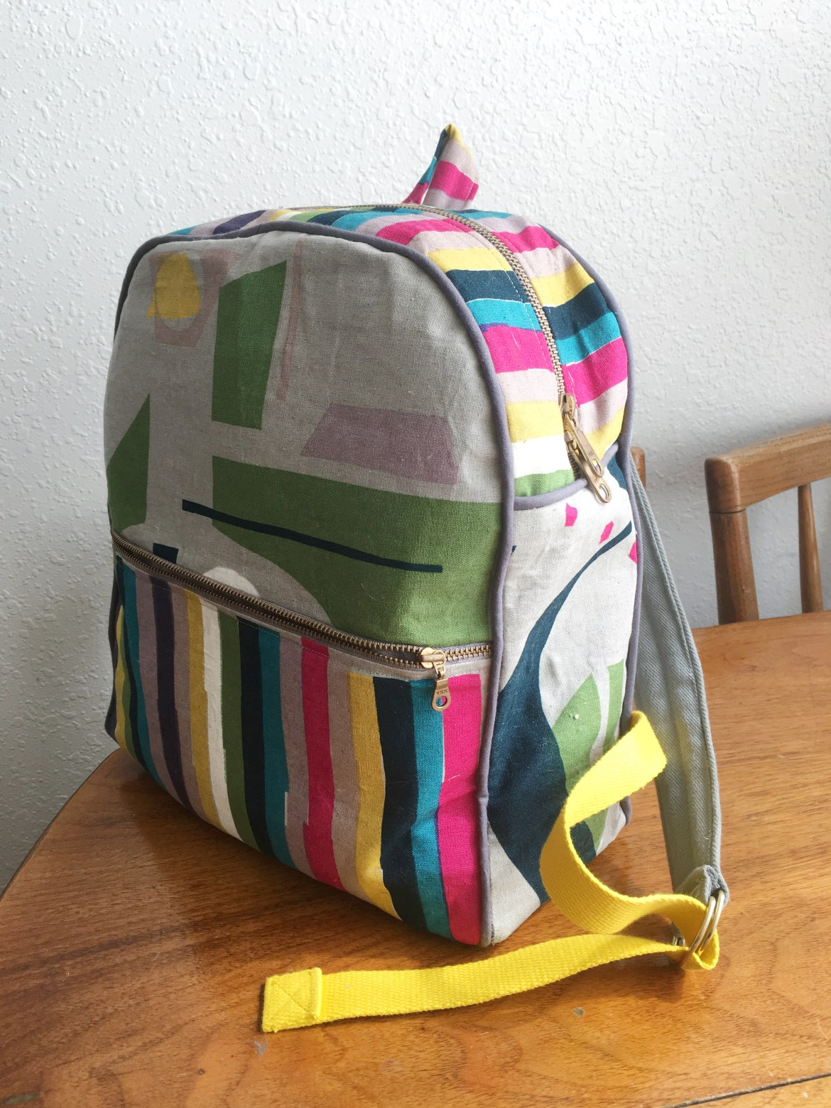 A Traveling Toddler Backpack  c4962e86ae17d