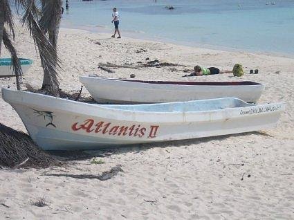 A couple of boats in Cozumel_0080