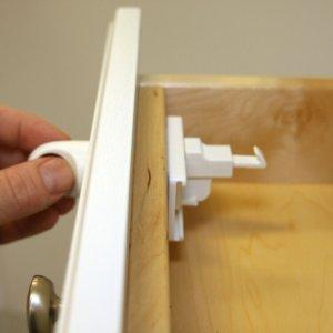 QDOS Adhesive Magnet Locks