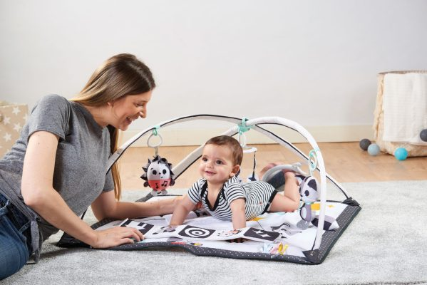 Black & White developmental Activity Mat