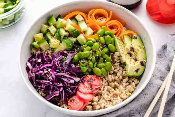 vegan sushi bowl with vegetables in a bowl