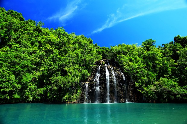 Kahatola Waterfall, photo credits to flickr@Muslianshah Masrie