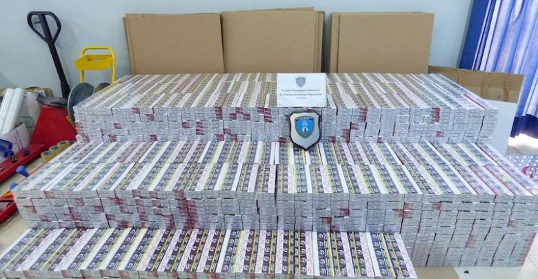 Ελευσίνα: Εξάρθρωση σπείρας λαθραίων τσιγάρων - Κατάσχεση 20.600 πακέτων
