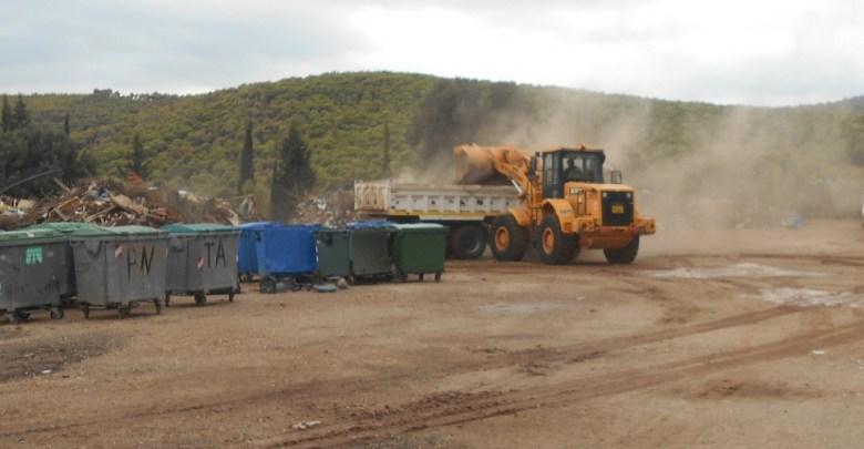 Στον καθαρισμό έκτασης 20 στρεμμάτων στο εργοτάξιο προχώρησε ο δήμος Μάνδρας