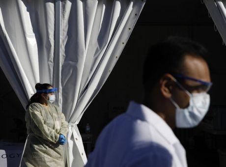 ΗΠΑ: «Θερίζει» η πανδημία με σχεδόν 2.000 νεκρούς για 2η συνεχόμενη μέρα