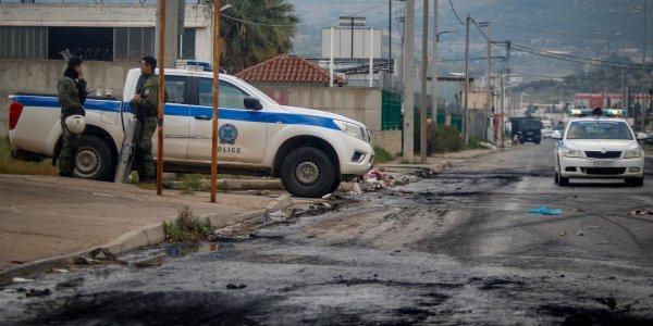 Έφοδος της ΕΛ.ΑΣ. σε καταυλισμό Ρομά στον Ασπρόπυργο - 2 συλλήψεις