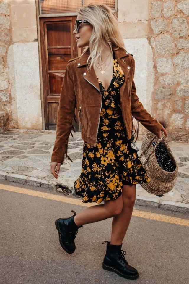 Thrifting Fall Fashion | Fall 2019 Fashion Trends | Dark florals are always perfect for fall. Try pairing it with a suede jacket and combat boots for a casual fall outfit.