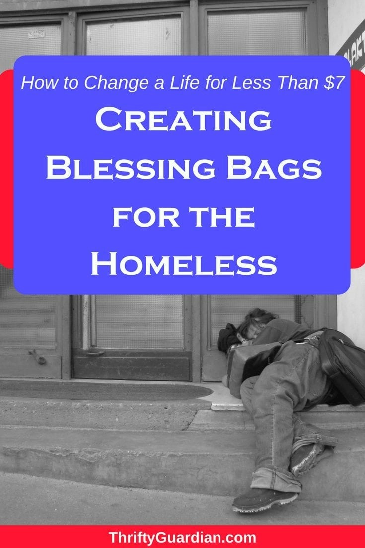 Homeless Kits - How to create a homeless kit that will actually be used. Create affordable homeless kits with these frugal but helpful ideas! #giveback #volunteerideas