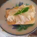 garlicky soft cheese