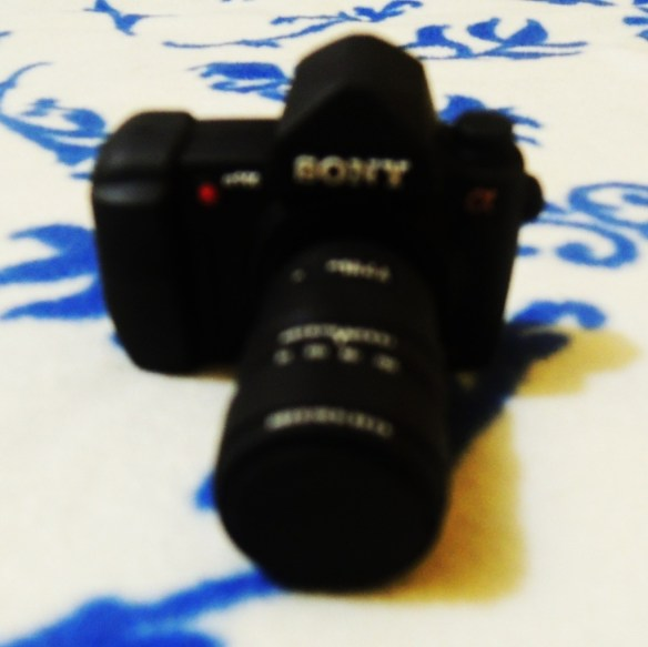 Canon DLSR-inspired flash drive (2GB) - Chris and Georges Manila