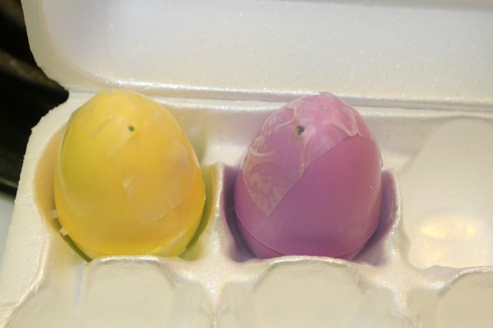 DIY Easter bath bombs
