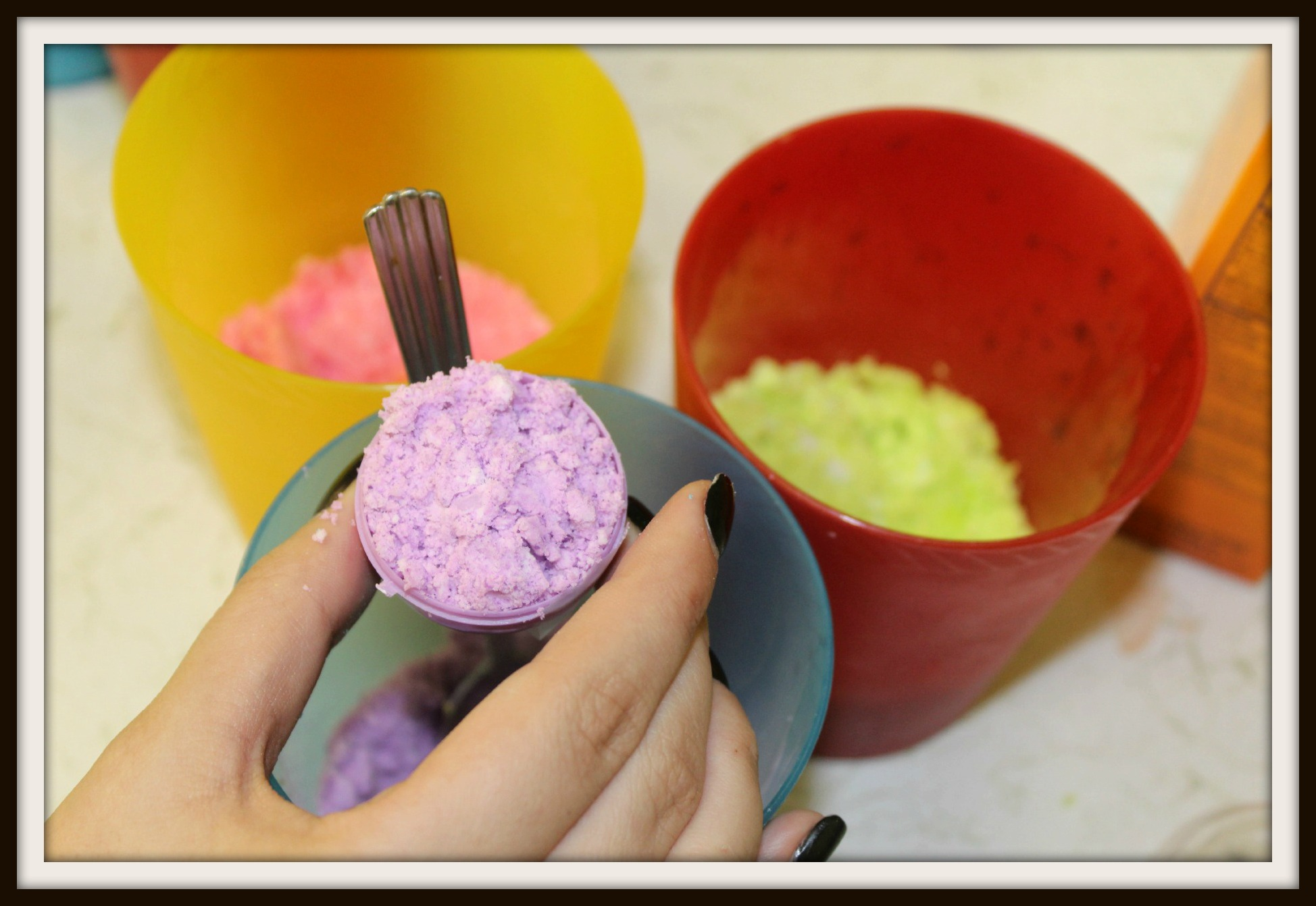 DIY Easter bath bombs
