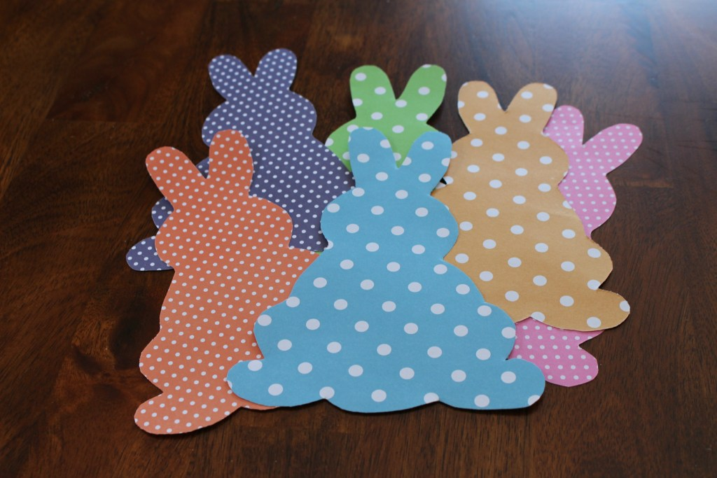 DIY Easter egg and bunnies banner