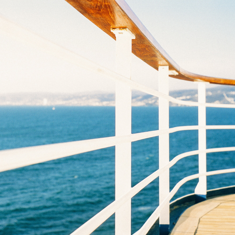 cruise_ship_railing_deck