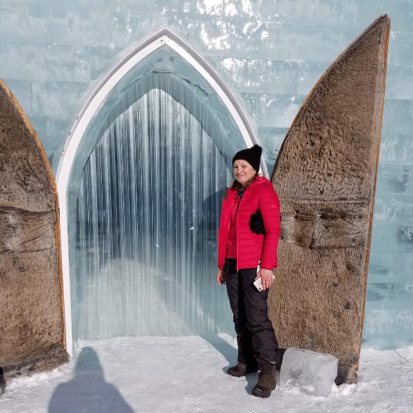 hotel_de_glace_quebec_chapel