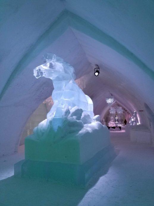 hotel_de_glace_quebec_2019_horse_sculpture