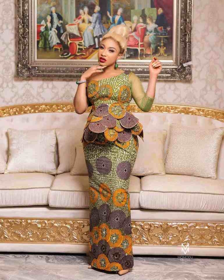 tonto dikhe's stunning outfit
