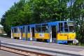 Bevor die Reise mit der Thüringerwaldbahn in Richtung Tabarz weitergeht, wenden wir uns kurz der Linie 6 in Richtung Waltershausen (Bahnhof) zu, die in Waltershausen (Gleisdreieck) ihren Ausgangspunkt hat. Am 21.Mai 2016 war für die Linie 6 der Tatra Triebwagen mit der Nummer 316 (CKD Prag, Baujahr 1990) dort im Einsatz.