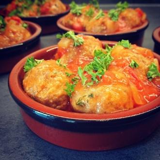 Albongidas (gehaktballetjes) in tomatensaus
