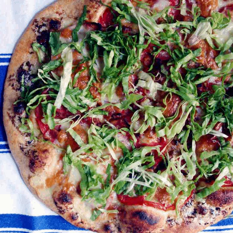 summer pizza recipe: blt pizza
