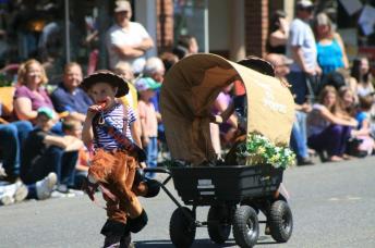oregon trail days kid summer parade