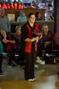 Capital Shelton Bowling 8042