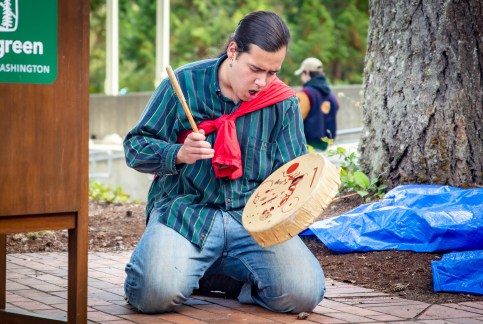 Welcome Woman Carving Unveiling The Evergreen State College-17