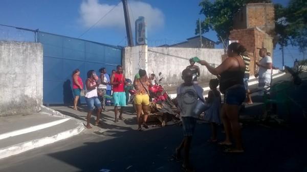 Moradores de São Francisco do Conde protestam mais uma vez pela falta de água