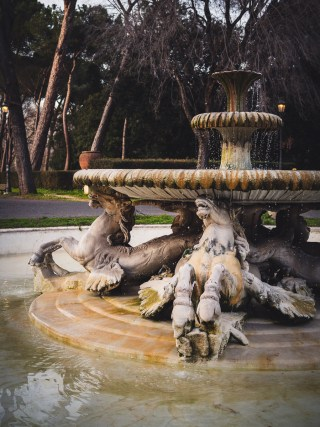 fountain of horses villa borghese