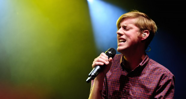 """Andrew McMahon Announces """"Pen And The Piano Tour"""" 2018 Dates"""