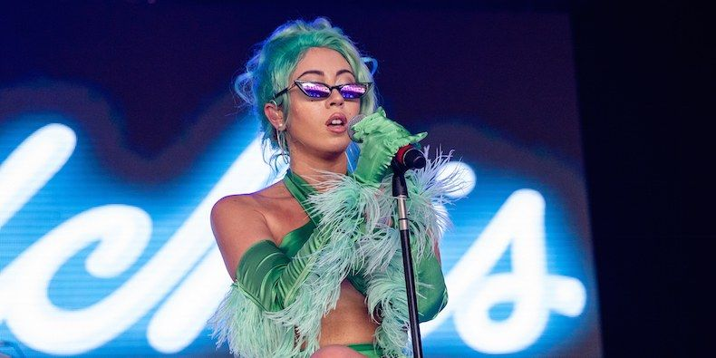 """Kali Uchis Announces """"Isolation"""" North American Tour 2018 Dates – Tickets on Sale"""