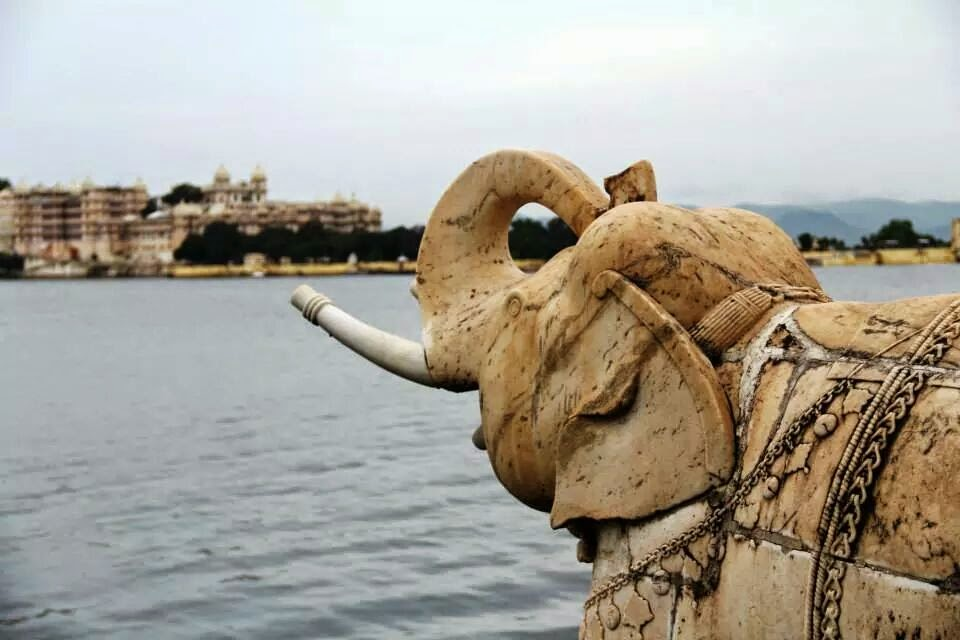 Udaipur: Marble elephants 'guarding' Jagmandir