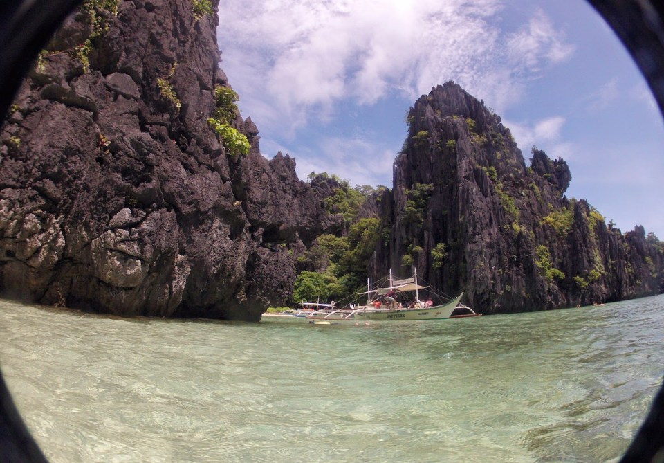 Island hopping at Palawan