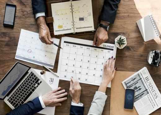 Voyage : 3 start-ups t'aident à organiser ton voyage de A à Z brainstorming planning de visites idées activités
