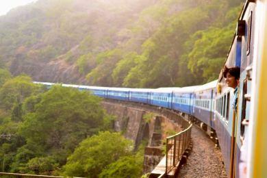 train touristique couverture train femme