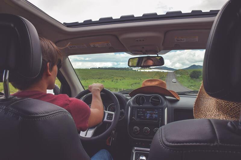 ecomobilité - covoiturage, trajet en voiture personnes
