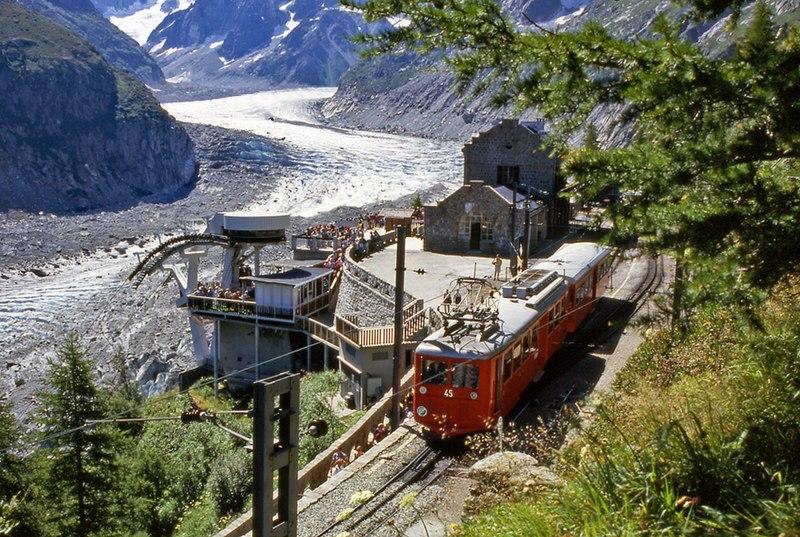 Train du Montenvers vers la Mer de Glace depuis Chamonix