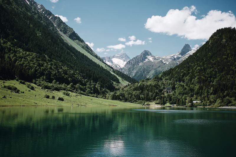montagne et lac d'altitude en France