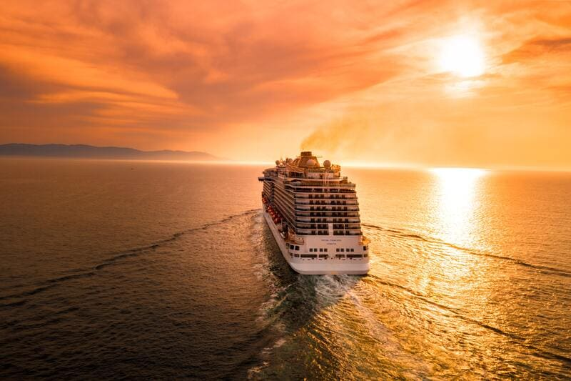 croisière méditerranée, coucher de soleil romantique