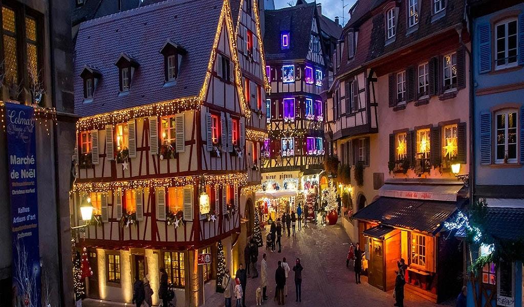 tournée des marchés de Noël Colmar rues illuminées