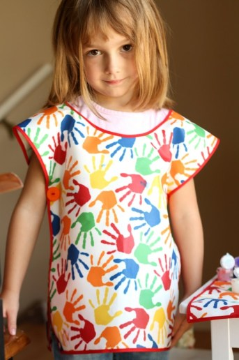 Art Smock and Mat – Easy as 1-2-3!