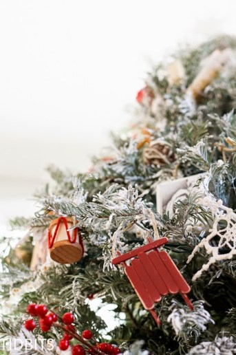 How to Faux Flock a Fresh Christmas Tree – with Laundry Detergent!