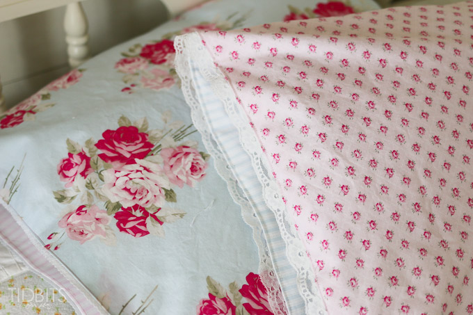 Reversible Pillow Case TIDBITS-19
