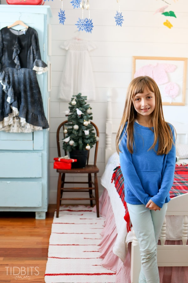 A Cottage Christmas Home Tour - Vintage Christmas Little Girls Room